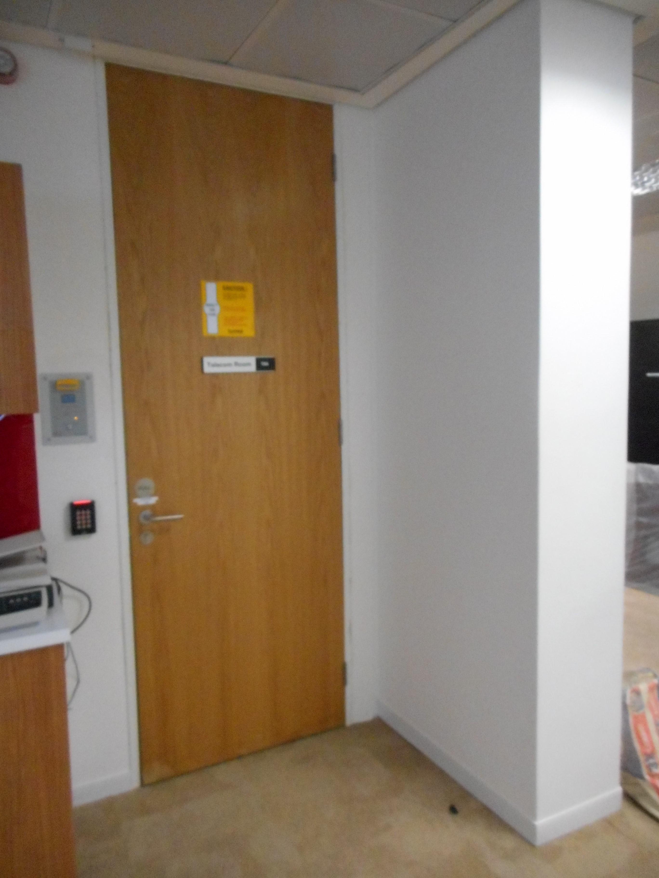 Fastwall fire door